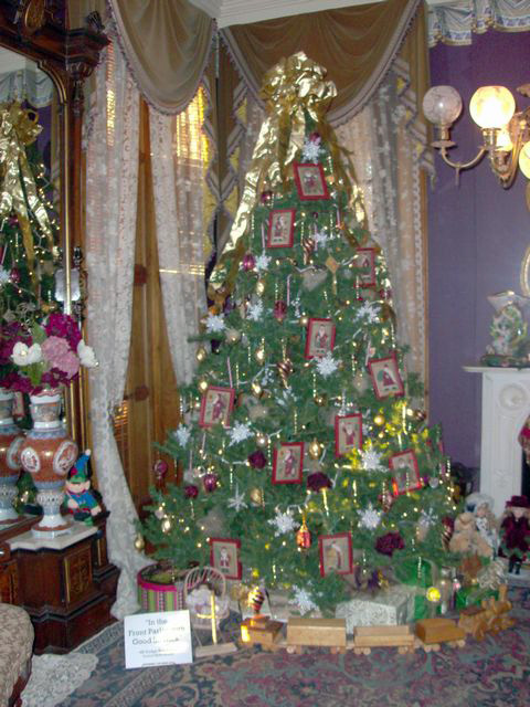 in-the-front-parlor-with-good-st-nick-np-dodge-realty-council-bluffs-branch